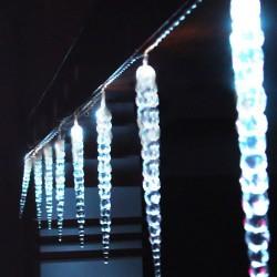 Vánoční LED osvětlení, kapající rampouchy 8x30cm IP44 bílé