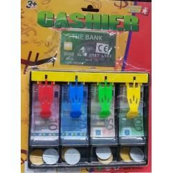 Hrací peníze v pokladně Euro + kreditní karta